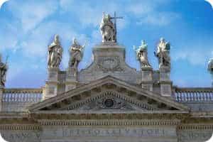 Turismo religioso en Roma basilica de San Juan de Letrán