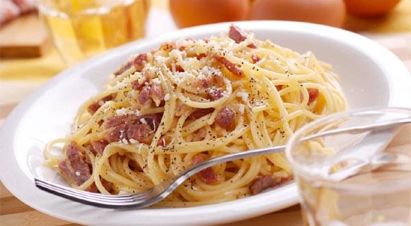Restaurantes tipicos en roma y cocina tradicional gu a for Cucina tipica romana