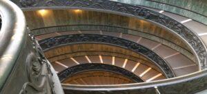 tour museos vaticanos escalera monumental