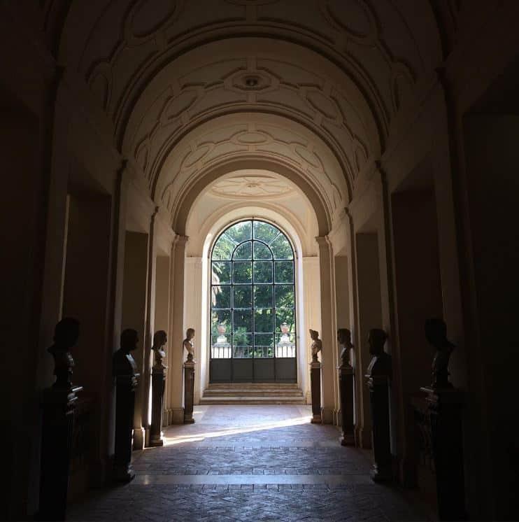 palacio corsini pasillo