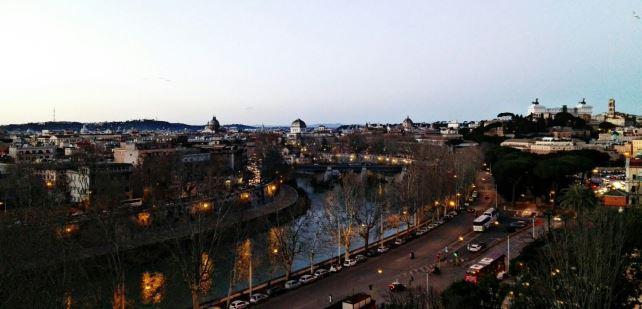 Vistas Roma al atardecer desde Terraza Jardin Naranjos