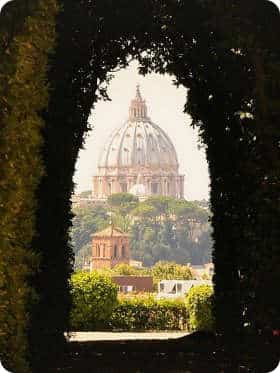 visita de la cúpula de San Pedro desde la cerradura en el Aventino