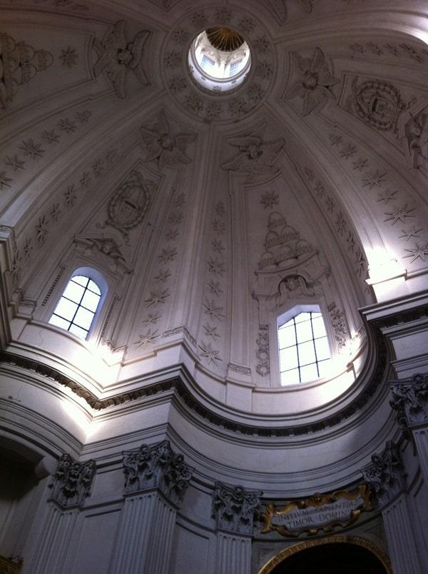 cupula iglesia de sant Ivo alla Sapienza Borromini en Roma