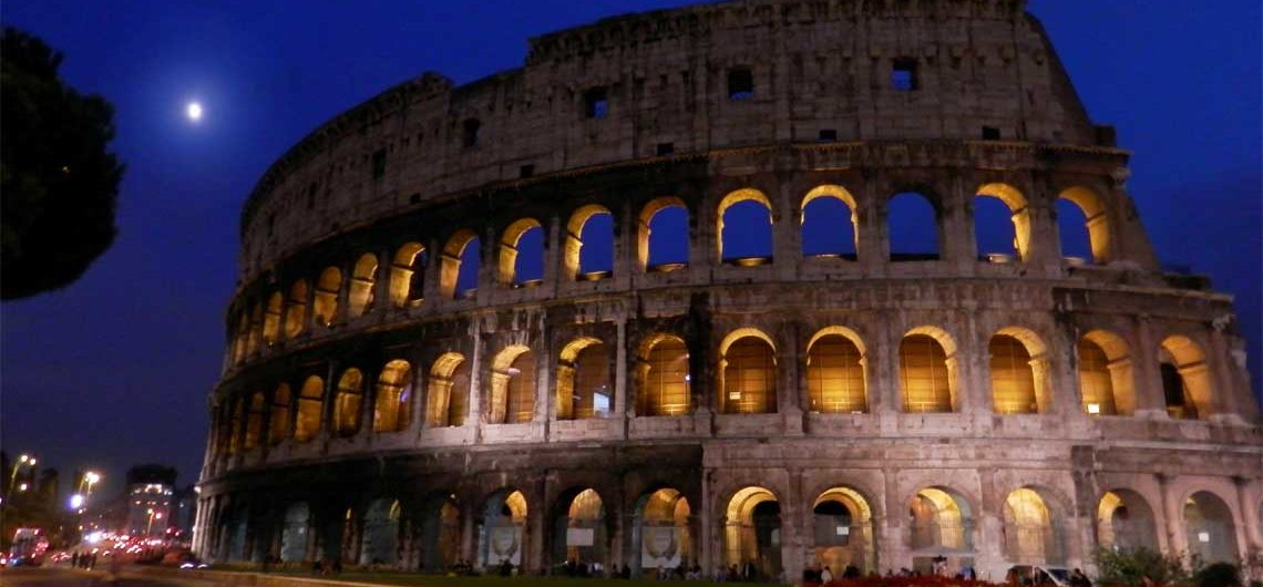 Visita Coliseo de Noche, la Antigua Roma bajo la luna