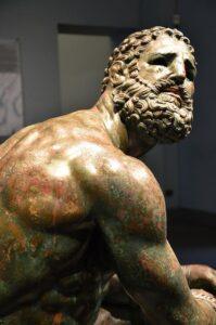 Estatua del boxeador en Palazzo Massimo alle Terme, Roma con tu Guía En Roma