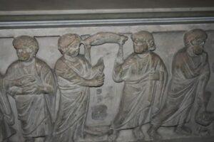 sarcofago en la iglesia de san pietro in vincoli