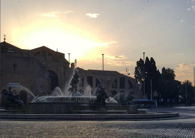 Santa María de los Ángeles (Santa Maria degli Angeli) en Plaza de la Repubblica Roma
