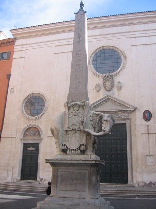Plaza Santa Maria Sopra Minerva