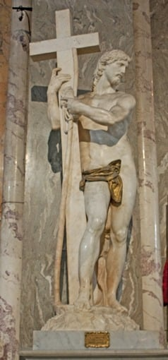Jesús con la Cruz obra de Miguel Angel en Santa Maria Sopra Minerva