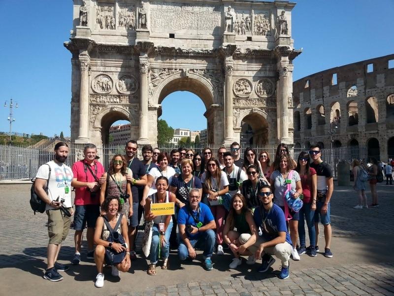 tour Coliseo grupo con laura