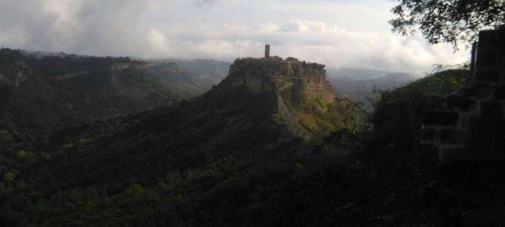 Civita Bagnoregio Itinerarios etruscos cerca de Roma