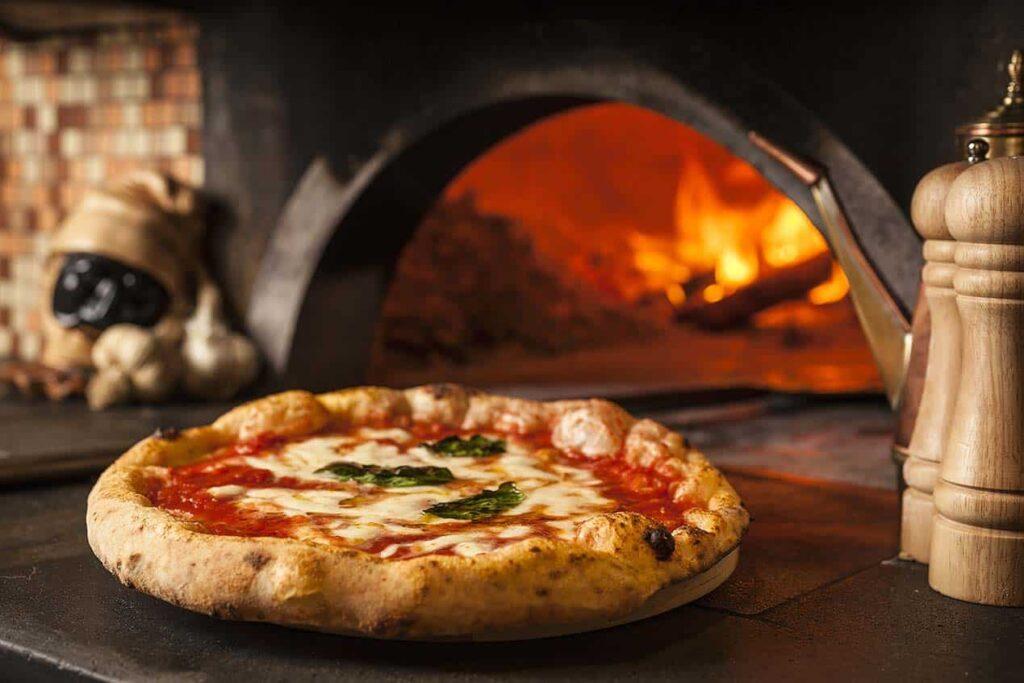 cocinar pizza en roma