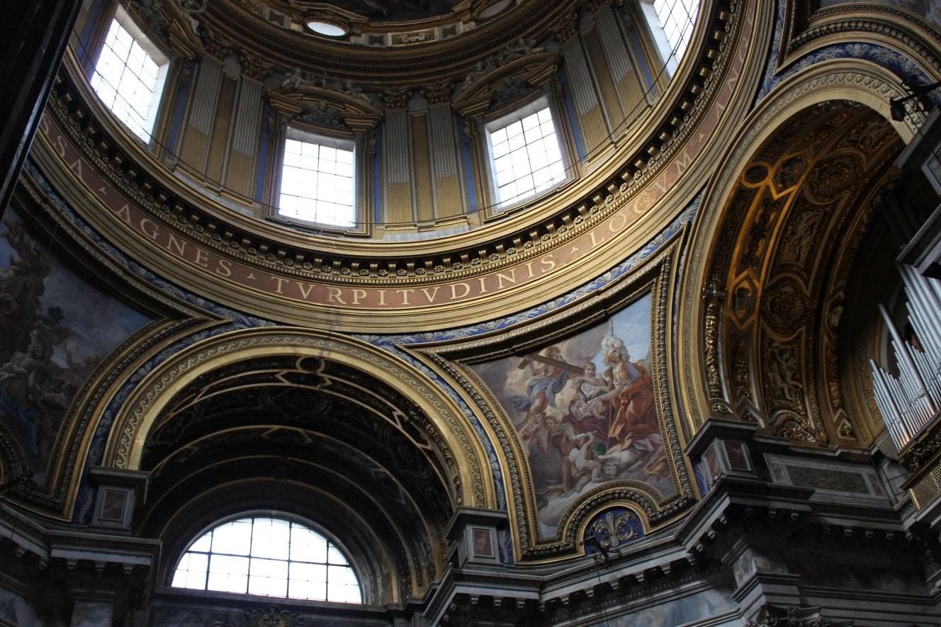 interior sant'agnese in agone