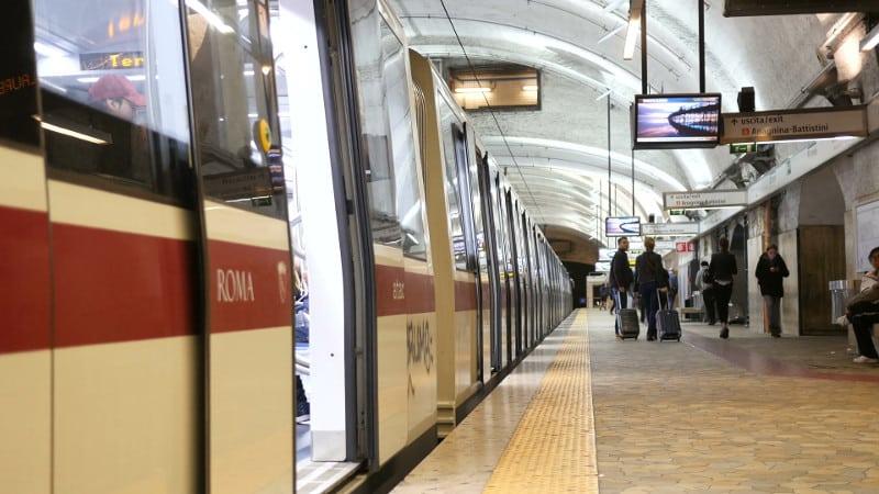 7 consejos para viajar a roma metro