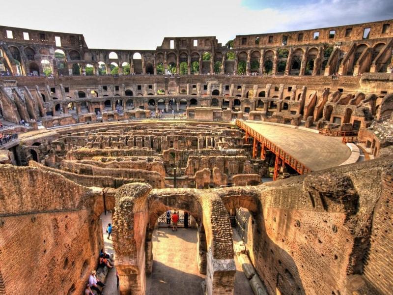 Coliseo subterráneo, Arena, Foro y Palatino