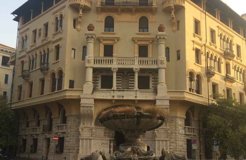 coppede fuente plaza mincio roma