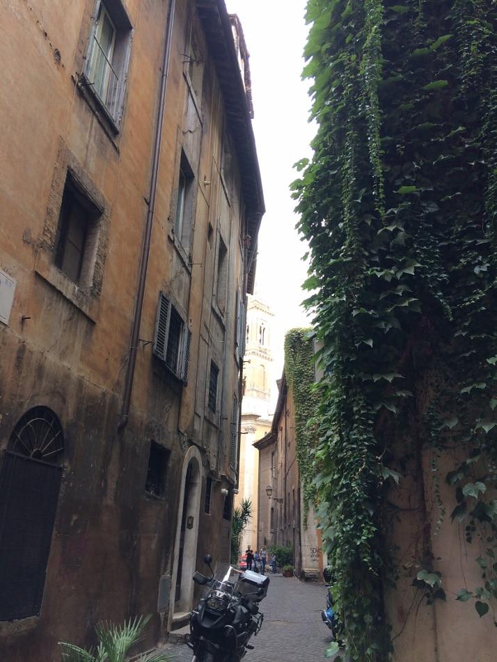 calles roma vicolo volpe