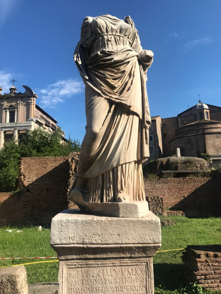 foro romano casa vestales