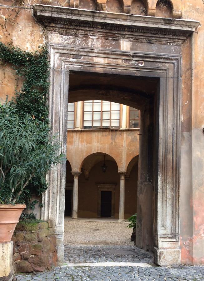 portal palacio orsini monte giordano