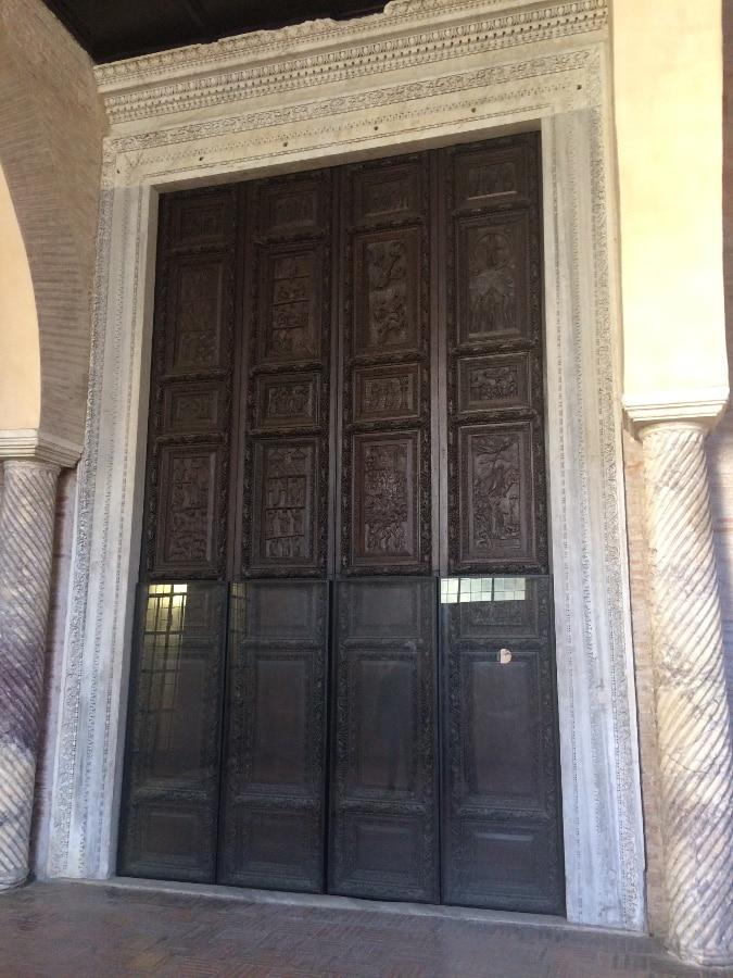 puerta santa sabina aventino