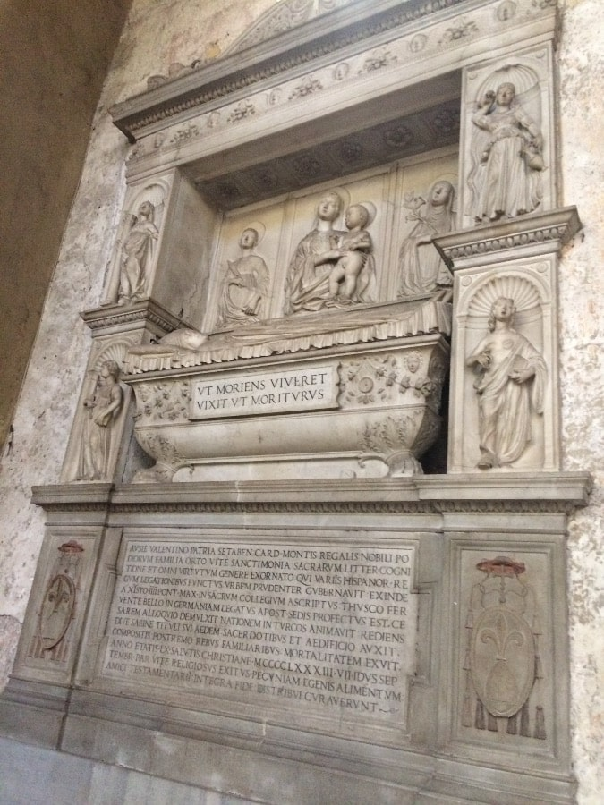 tumba basilica santa sabina