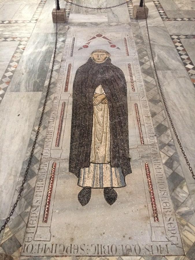 tumba muñoz basilica santa sabina roma