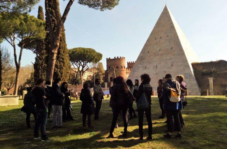 cementerio acatolico piramide cestia roma
