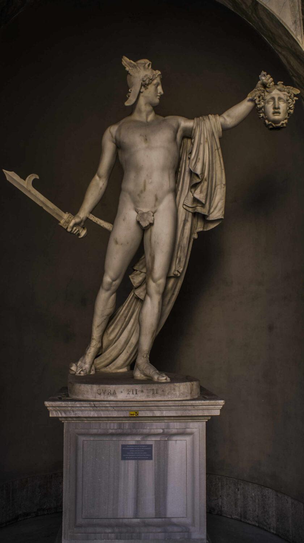 Perseo con la cabeza de Medusa Visita Vaticano