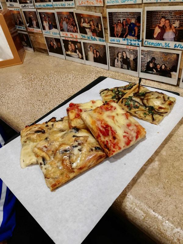 aperitivo en roma con pizza