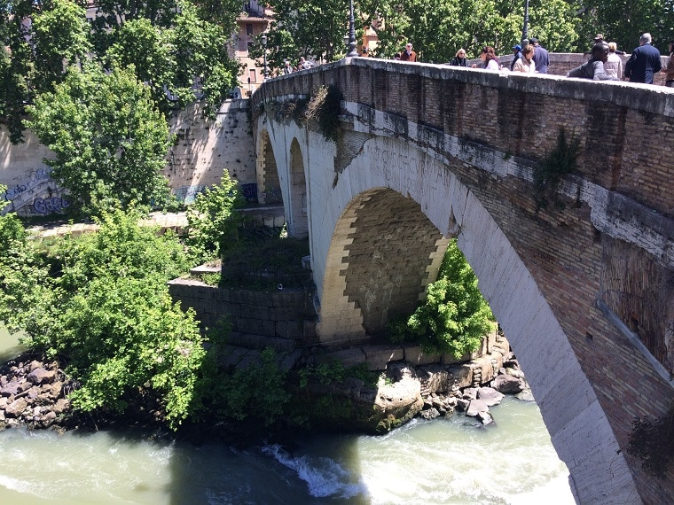 puente fabricio isla tiberina