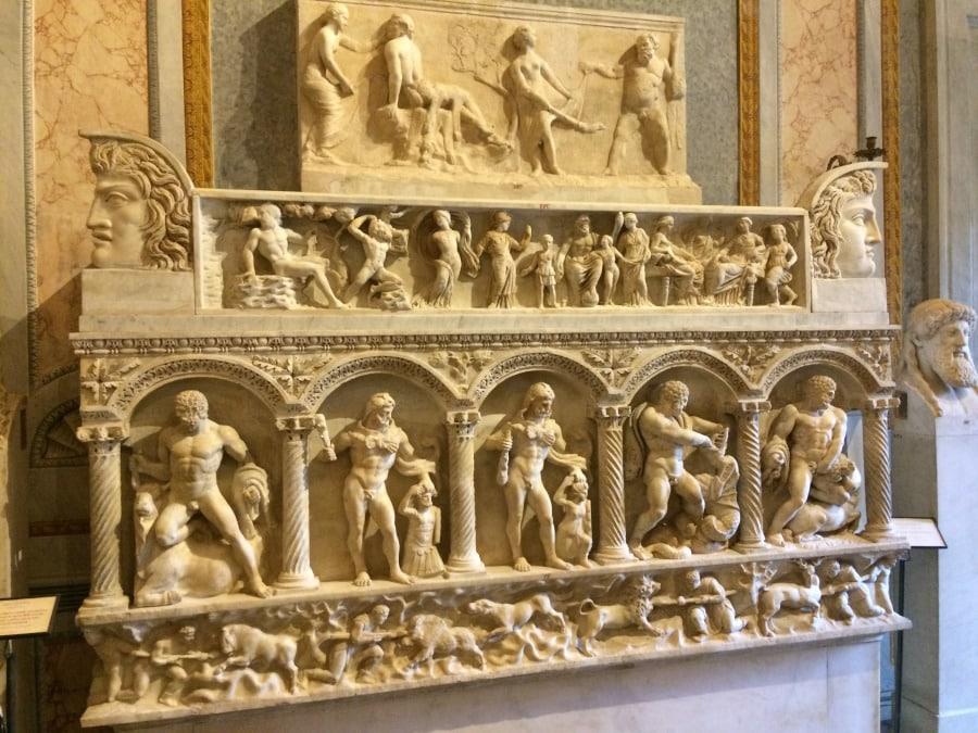 sarcofago hercules galleria borghese