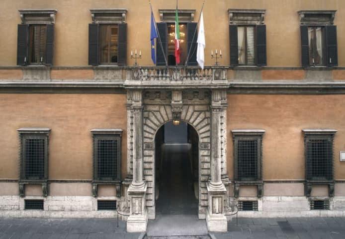 portal carboniani palacio sciarra colonna