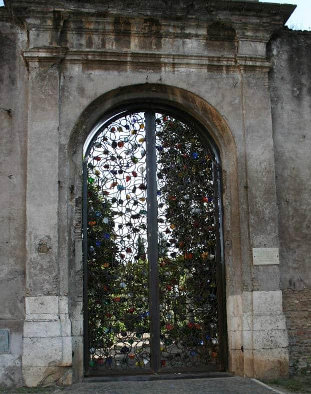 santa croce in gerusalemme puerta jannis kounellis