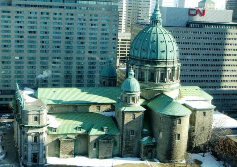 iglesia santa maria reina del mundo en montreal