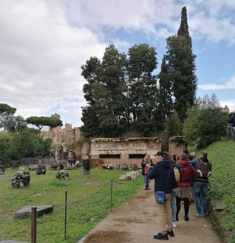 basilica emilia durante tour coliseo