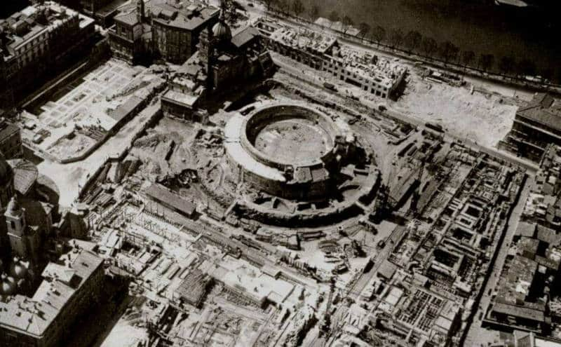 demoliciones entorno al mausoleo de augusto