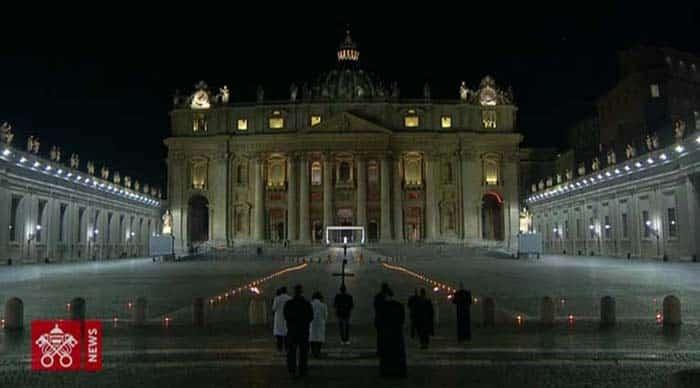 via crucis viernes santo plaza san pedro 2020