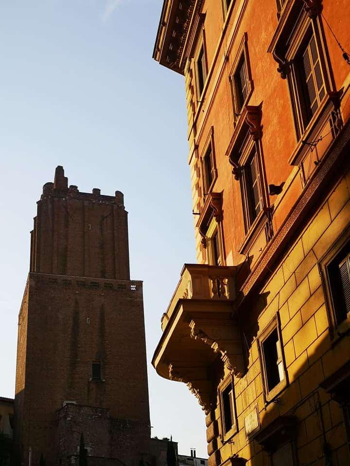 torre milizie amanecer