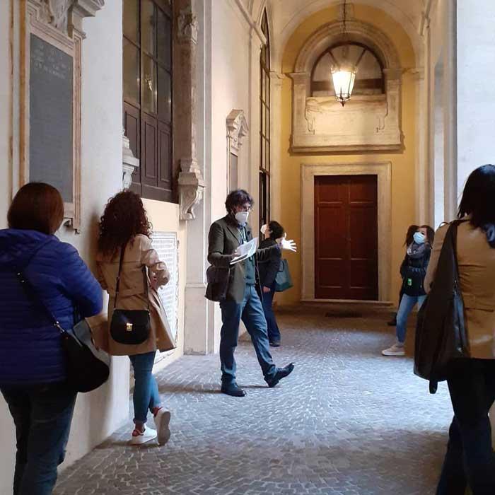 visita guiada iglesia montserrat roma
