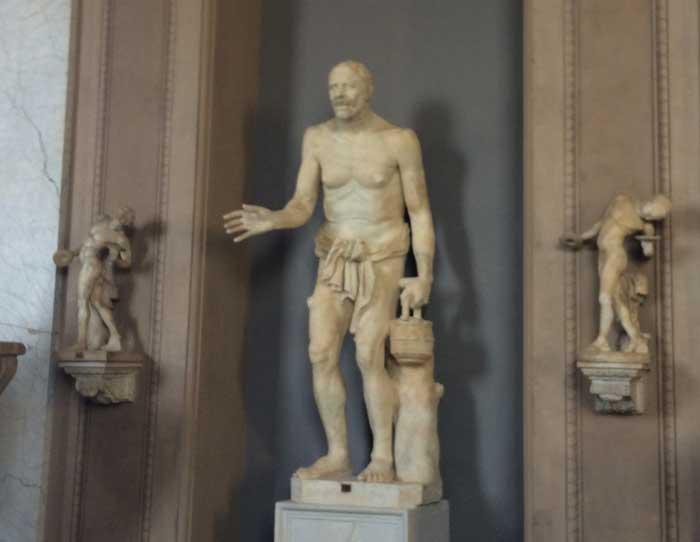 escultura viejo pescador vaticano