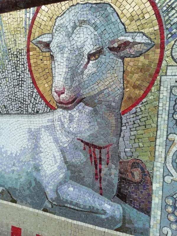 cordero mosaico iglesia argentina