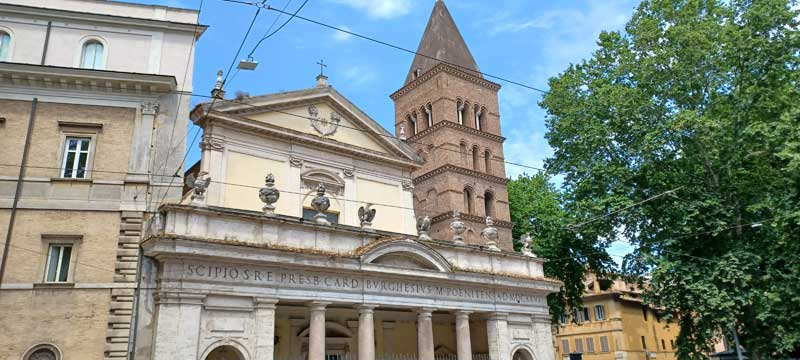 basílica san crisógono fachada