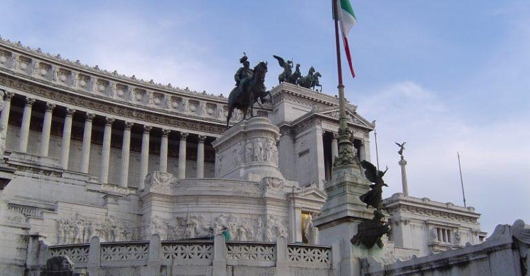 vittoriano monumento plaza Venecia Roma