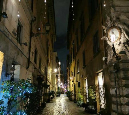 via dei coronari roma de noche
